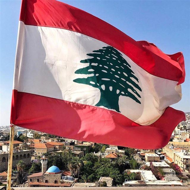 Curte aqui quem tem orgulho do Líbano! 🇱🇧 Like here who is proud of... (Byblos Castle)