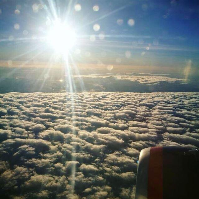 Солнце, облака и небо при взлете из Ливана.еще захотелось поделиться сн