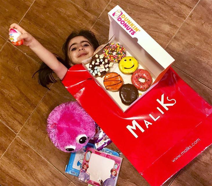 I love you my niece 👧🏻🎁🎉 maliks dunkindonuts niece gift graduate ... (Baabda)
