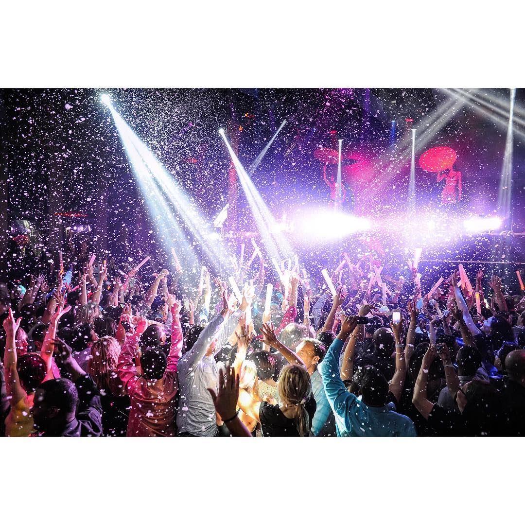 Live it up........ f1 grandprix montreal festival nightout ... (Festival Grand Prix sur Crescent)