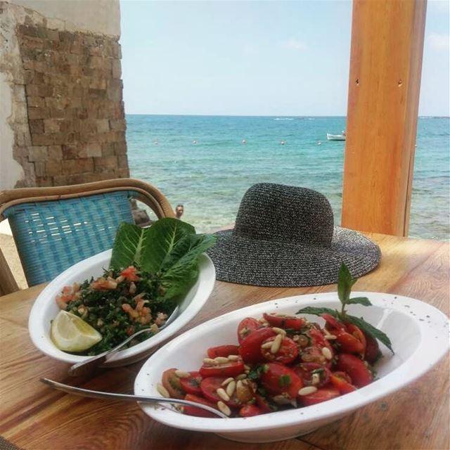 Fresh salads on a hot and sunny Sunday 🌞🌞 specialmadamefigaro sunday ... (Tyre, Lebanon)