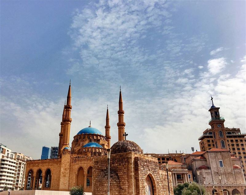 Multiconfessional Beirut 💙⠀Панорама прекрасного древнего Бейрута - столи (Downtown Beirut)