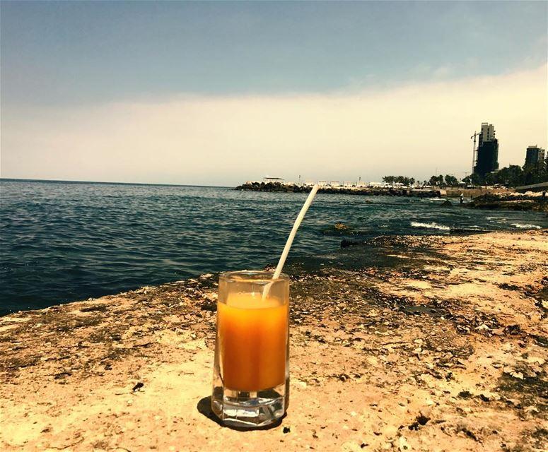 افطار شهيّ 🍹🥗 ramadankareem ramadan2017 iftar orangejuice lebanon... (Manara Place Cafe)