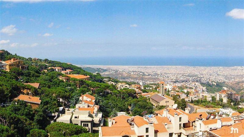 - Ain Saade overlooking Beirut - ... ptk_lebanon amazinglebanon ...