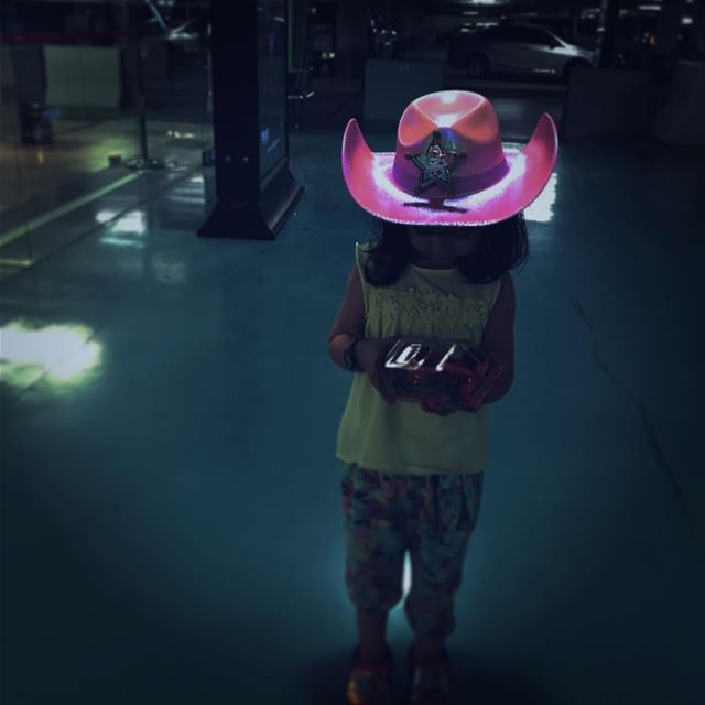 Glow in the Dark mommyblogger kidsofinstagram humansofjoy ... (Riyadh, Saudi Arabia)