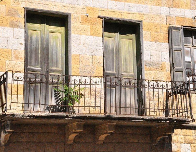 Awaiting the golden age to open it's doors !------------------------------ (Marjayoûn, Al Janub, Lebanon)