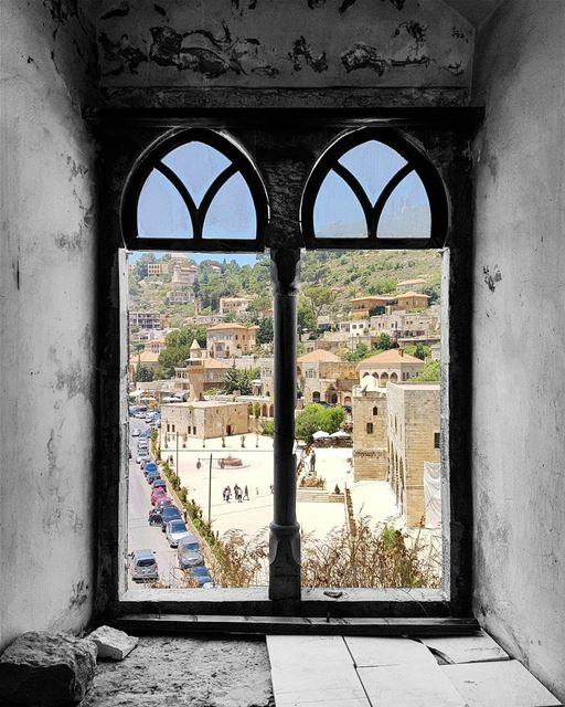 ~ 🏘 ~... architecture archilovers architecturephotography ... (Deïr El Qamar, Mont-Liban, Lebanon)