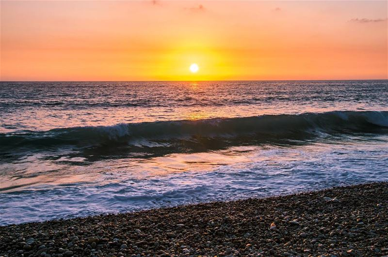 Enjoy Every Sunset 🌅🌅..... sunset sun beach oceon clouds waves... (Batroûn)