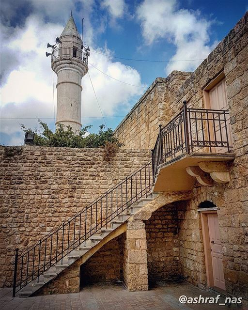 إِنَّا أَنْزَلْنَاهُ فِي لَيْلَةِ الْقَدْرِ * وَمَا أَدْرَاكَ مَا لَيْلَةُ... (Tyre, Lebanon)