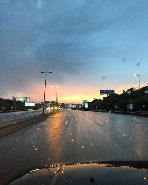 June rain 💦🌨 a7labaladbil3alam photo love photograph photography ... (Airport Road)