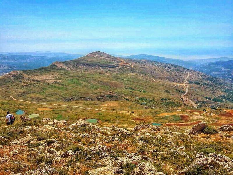 Weinik ya Carole??! . carole ? minCarole ?! meen sannine hike hiking... (Sannin, Mont-Liban, Lebanon)
