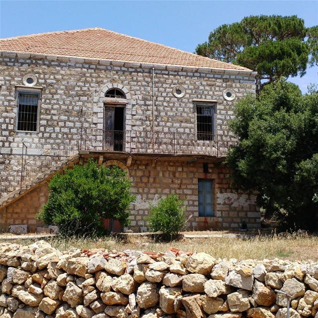 Abandoned home in the midst of a large yard peppered with olive and fig... (Marjayoûn, Al Janub, Lebanon)