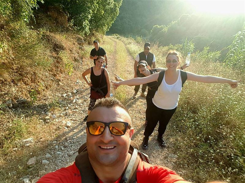 Yesss you did it ladies 6 km in 1h.50 💪✌👆 hiking climbing friends ... (St Rafqa-Jrebta)