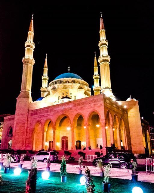 jummahmubarak blessedfriday islamicarchitecture islamicart ... (Downtown Beirut)