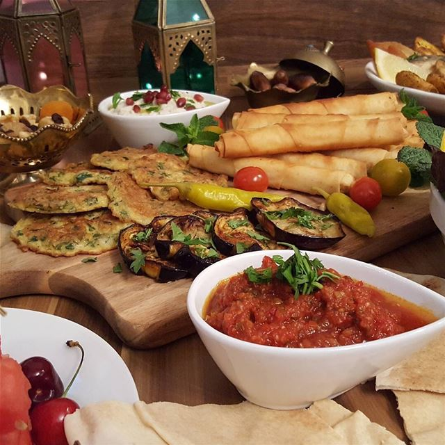 Riktig iftar 😍🍽 lebanese_in_sweden livelovelebanon livelovebeirut ...