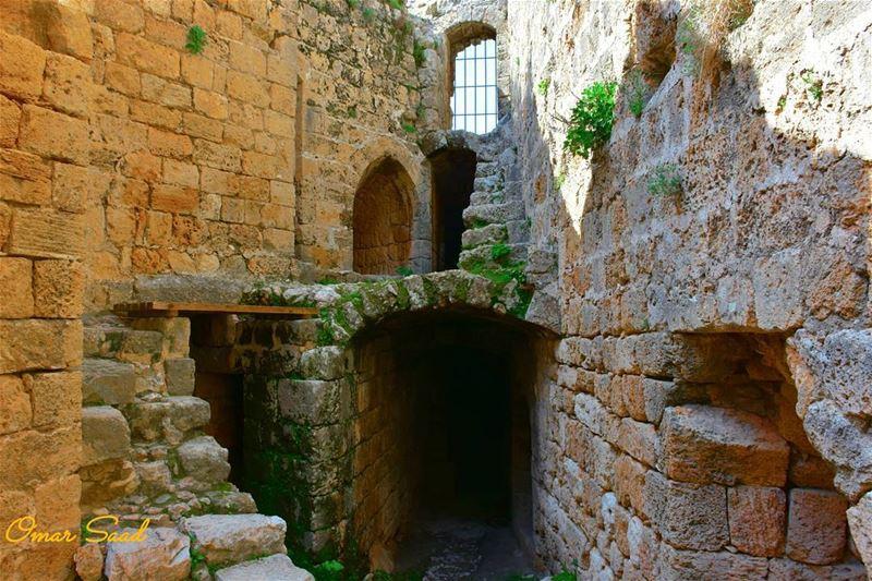 Inside Msaylha fortress nord lebanon heritage ruins middleage liban... (Hamâte, Liban-Nord, Lebanon)