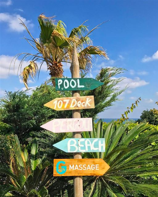 All you really need is the beach.... can't go wrong with a massage though � (Batroûn)