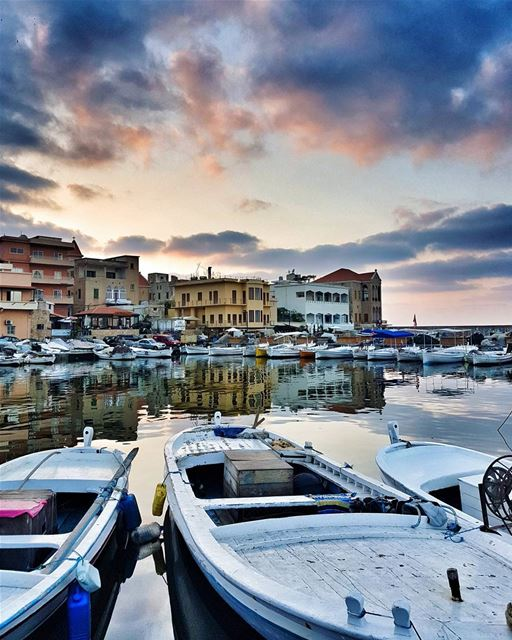 Sunset in the city of Tyre, one of the oldest, most beautiful ports in the... (Tyre, Lebanon)