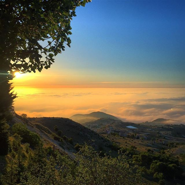 ehden liban sunset photo picoftheday nofilterneeded chillin ... (Ehden, Lebanon)