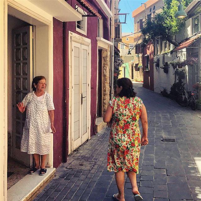 Chit chat عالواقف 🌈 Lebanon tb travel travelgram traveler wanderlust... (صور الميناء)