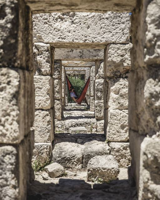 Framed 🖼📸 by the talented @freakgmb while discovering @livelove.tyre... (Soûr, Al Janub, Lebanon)