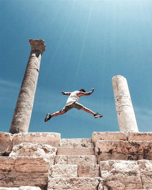 @jubranelias can jump 🏃🏻 Beirut architecture rsa_minimal iamatraveler... (Roman ruins in Tyre)