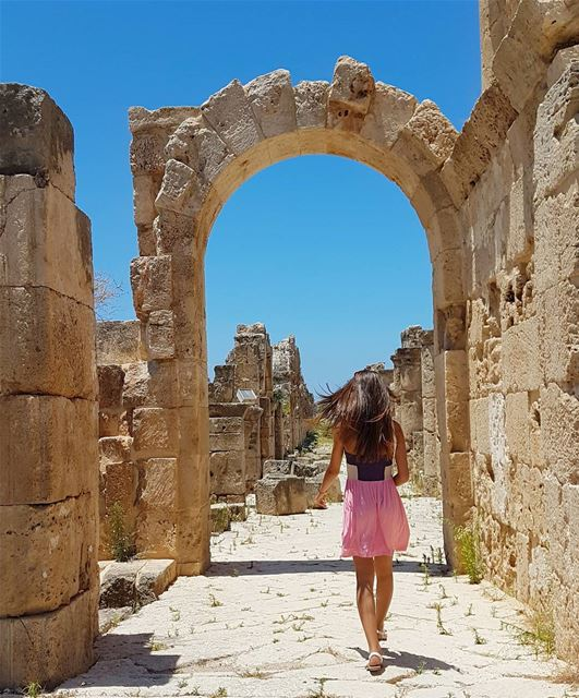 She doesn't lead, nor follow. She makes her own path 🏛 livelovebeirut ... (Roman ruins in Tyre)