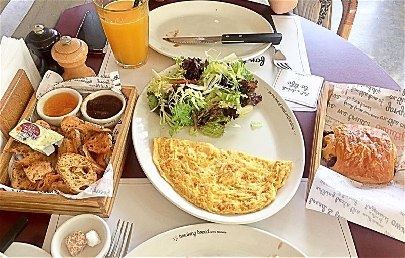 Sunday's breakfast 🍳☕️Enjoy your breakfast daily , because it's your... (Bar Tartine Dbayé)