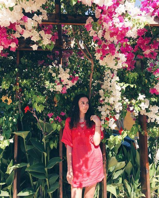 ☀️child | 🌺 child... jannasurmer flowers flowerstagram flowerpower... (Janna Sur Mer)