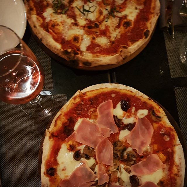 About last night》》》》》》》》》》》》》》》》》》》》》 pizza  cheese  wine  ham ... (SUD Restobar)