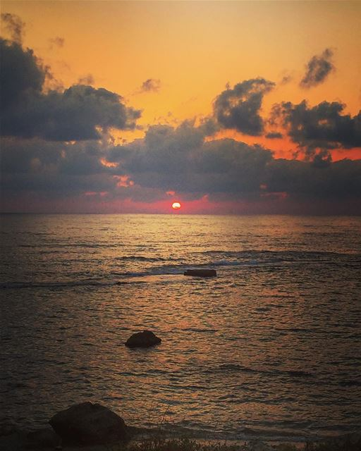 Good Night from Tyre 😃تصبحون على خير من صور Photo taken by me ☺️... (Soûr, Al Janub, Lebanon)