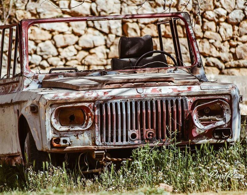 classiccars aro romanian car abandoned rusty instalike instagood...