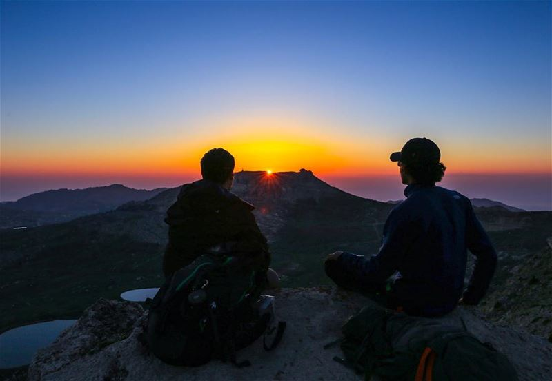 Chasing sunsets ... ✨ (Akoura, Mont-Liban, Lebanon)