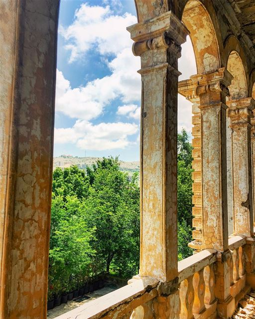 lebanon sawfar castle instagood wanderlust travelgram welltraveled ... (Sawfar, Mont-Liban, Lebanon)