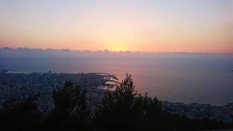 Sunset addict 🌅 vsco vscocam instalebanon lebanonspotlights... (Amar - قمر)