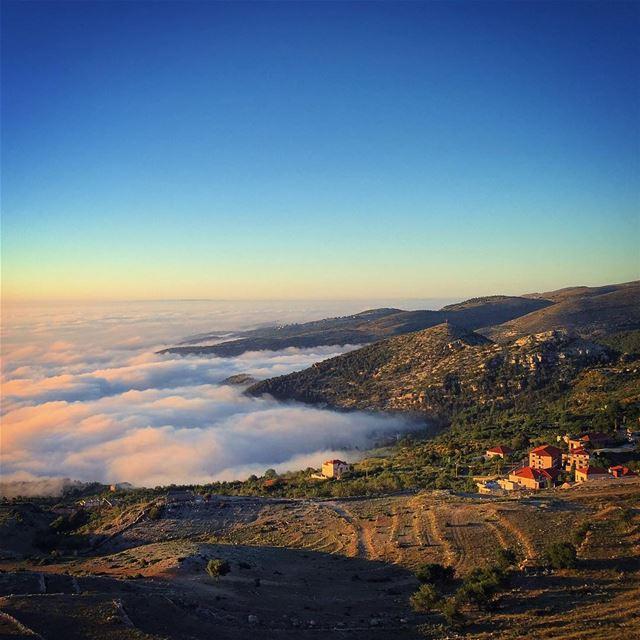 ehden liban sunset photo picoftheday nofilterneeded chillin ... (Ehden, Lebanon)