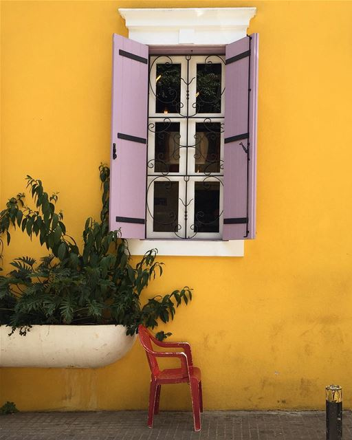 🎨 ..... colorful wall window architecture architecturelovers ... (Mario e Mario)