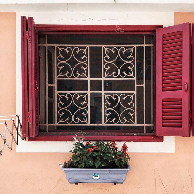 Take a look inside 👀 Beirut architecture iamatraveler featuremeinstagood... (Tyre, Lebanon)