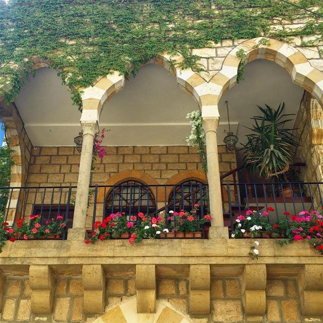 HAPPY faSAD 🌷🌷🌷😍 lebanonuntravelled bestoflebanon livelovebeirut ...