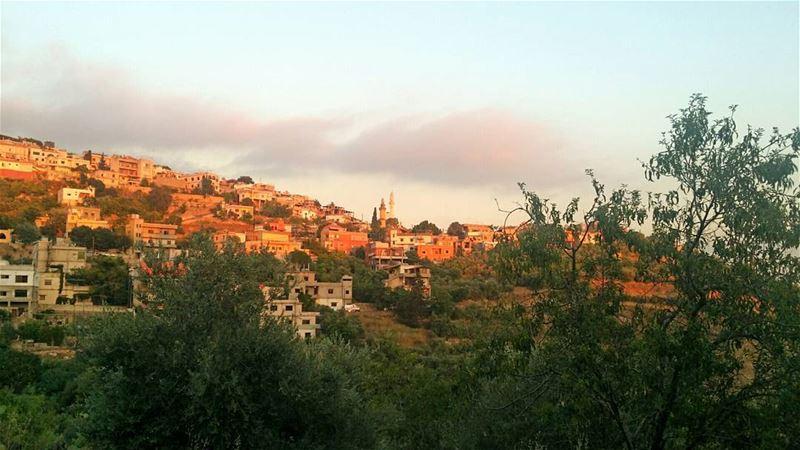 مباشر من حومين الفوقا sunset lebanon southlebanon ...
