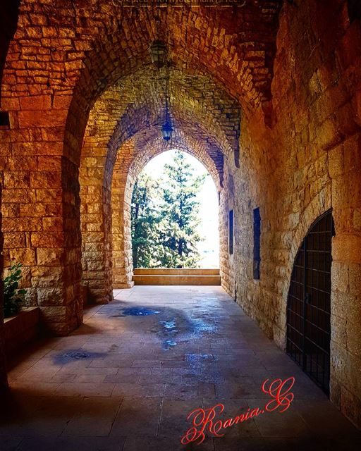 castle palace mountlebanon ... (Beiteddine Palace)