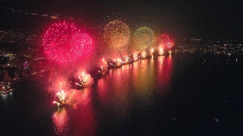 Jounieh Fireworks 💥 jounieh livelovejounieh livelovelebanon lebanon ... (Casino du Liban)