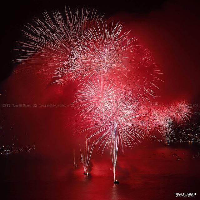 jounieh lebanon jouniehfestival jouniehbay fireworks festival ... (Jounieh Libanon)