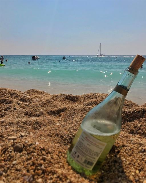 Sicily or Batroun? Doesn't matter. There's a sailboat and good wine. The... (Batroûn)