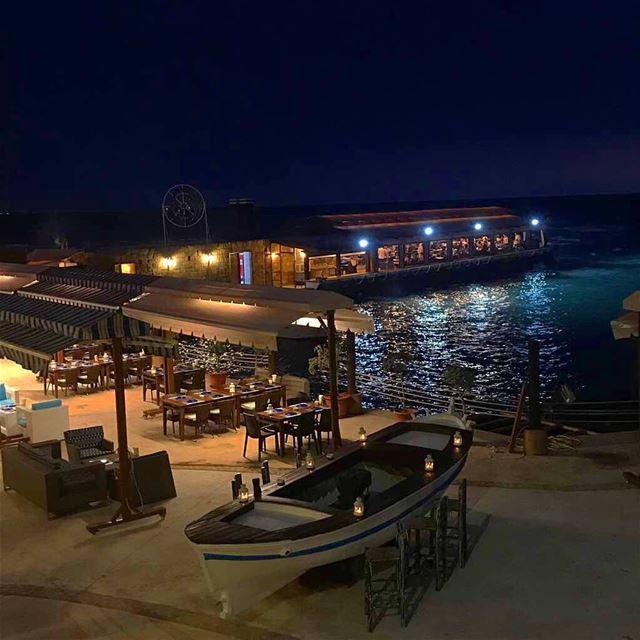 🌅🛶 jbeil lebanon ... (Port Byblos)