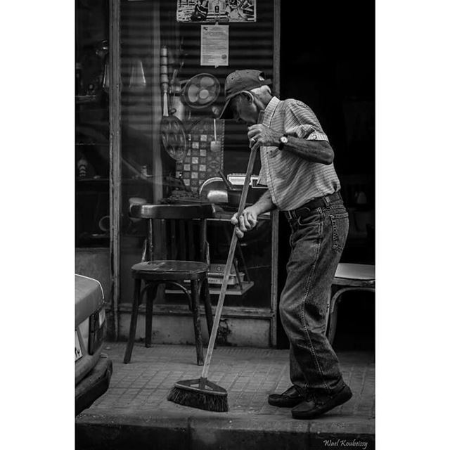 bnw  blackandwhite  street  photography  old  man  cleaning  broom ... (Burj Hammud)