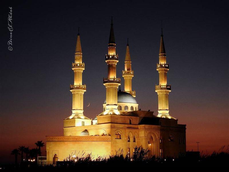 La nuit qui a soif de lumière... _________ nightlandscape night ... (Tripoli, Lebanon)