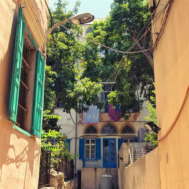 Alleyways of chaos🌈 Lebanon tb travel travelgram traveler wanderlust... (Mar Mikhael-Armenia The Street)