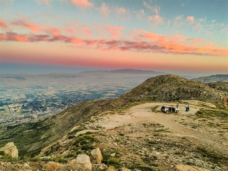When the sun decides to paint the sky ❤️💜💙................. (Al Knaysah, Mont-Liban, Lebanon)