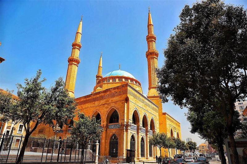 Eid moubarak 🌙 eidalfitr lebanon livelovebeirut mosk islam holiday ... (Downtown Beirut)